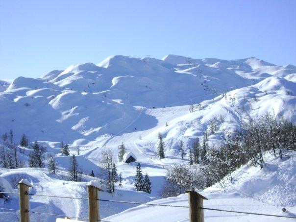 vogel empty slopes slovenia