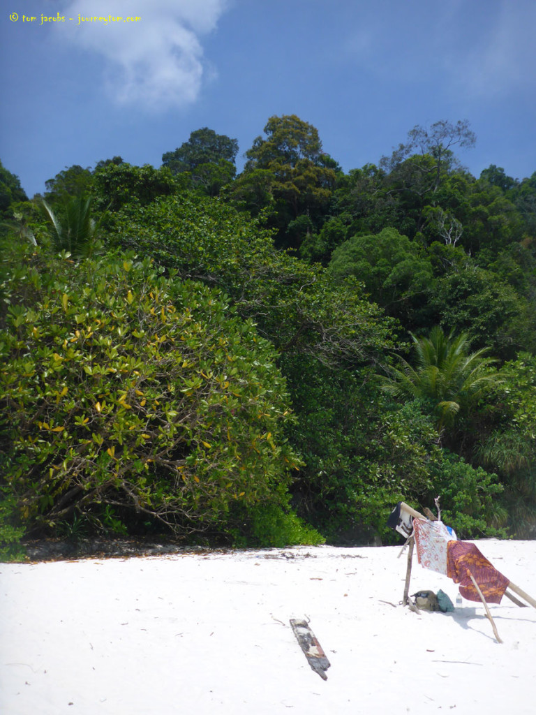 Isolated-Turtle-Beach-Perhentian-Besar